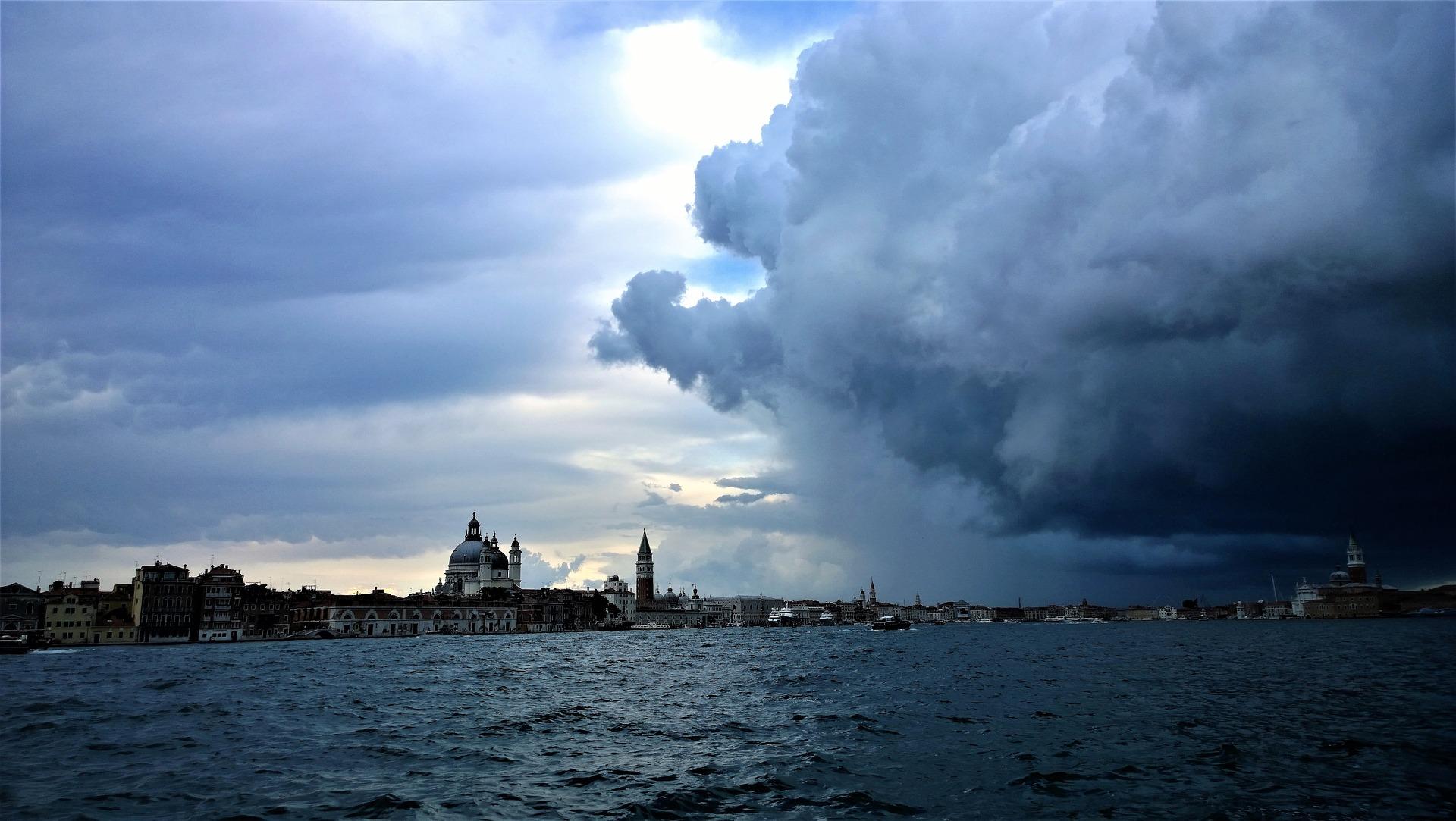 Donna Leon: Desde Venecia, en nombre del planeta.