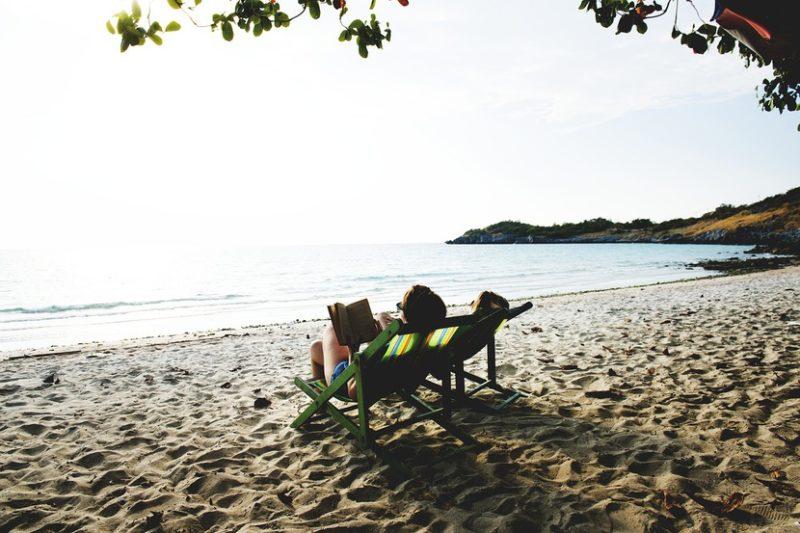 Novela de intriga y vacaciones: la combinación perfecta.