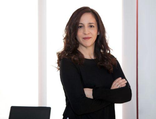 Entrevista con Ana Lena Rivera. De directiva de multinacional a escritora de intriga